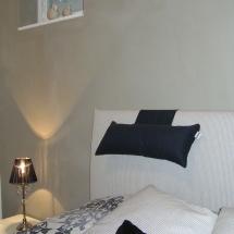 Sisustus Idea makuuhuone ja betonitasoite