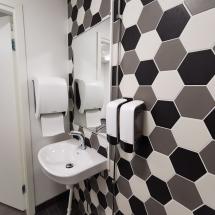 Sisustus IDEA, WC yritystila